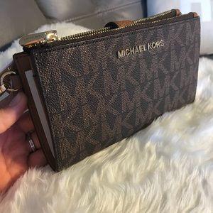 Michael KORS double zip wallet